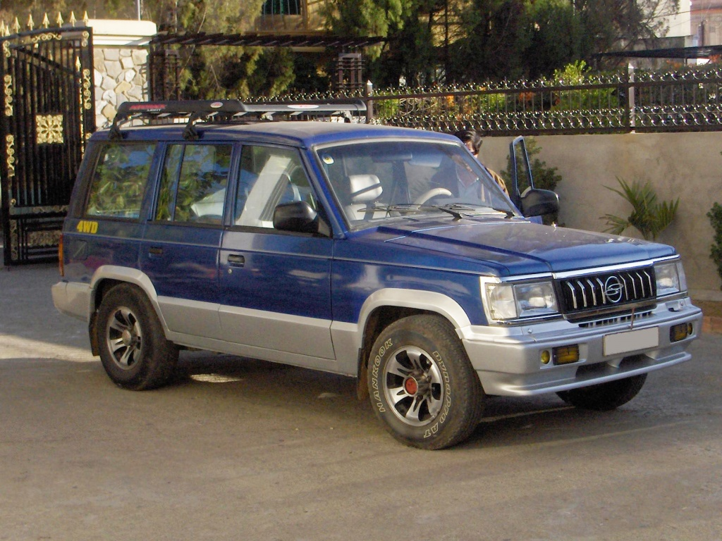 Ssangyong_family 1990